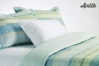 The Antik Oceane quilt collection