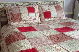 Roses quilt by Victoriana.